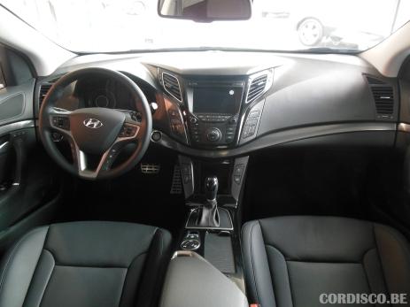 Hyundai i40 2015 white crystal