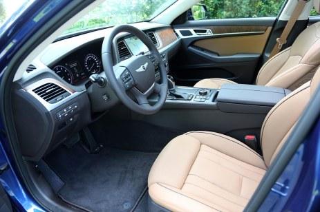 Hyundai_Nouvelle_Genesis_501