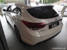 Hyundai i40 white crystal