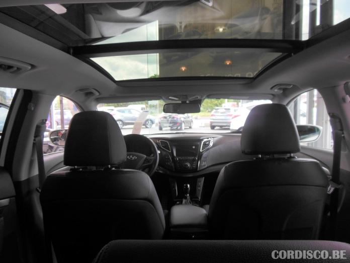Hyundai i40 2015 toit panoramique