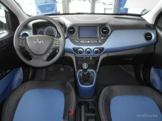 Hyundai i10 LUXURY LAUNCH EDITION tableau de bord