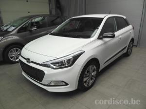 Hyundai i20 série spéciale blackline, couleur Polar White
