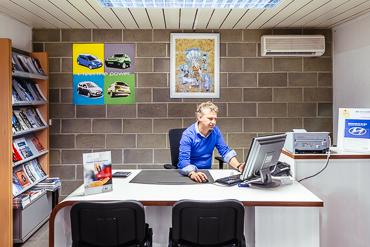Hyundai BeLux Dealer - CORDISCO Route de Charleroi 182, 7134 LEVAL-TRAHEGNIES, Belgium