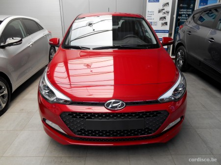 Hyundai i20 red passion