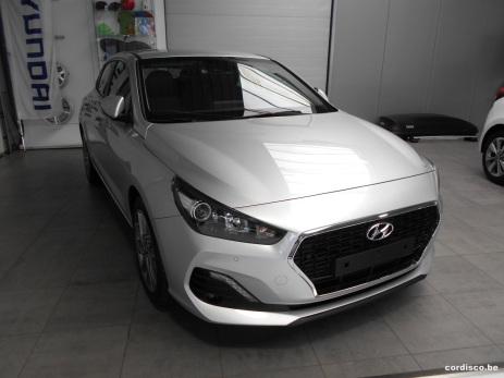 Hyundai i30 Fastback Platinum silver